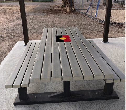 Outback Table Set with Custom Graphic