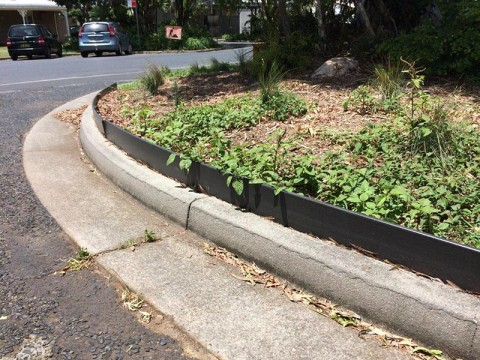 Wpc garden and path edging advanced plastic recycling for Garden edging adelaide